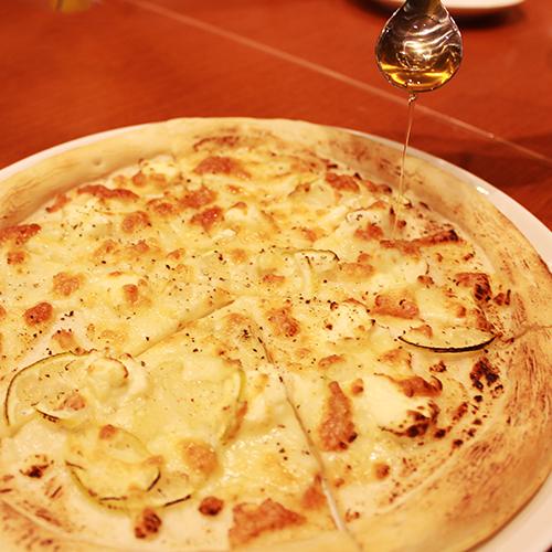クリームチーズのリモーネピザ