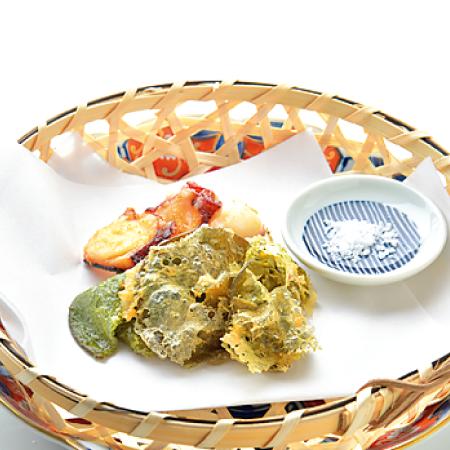 サクサク美味しい、メカブとタコの天ぷら