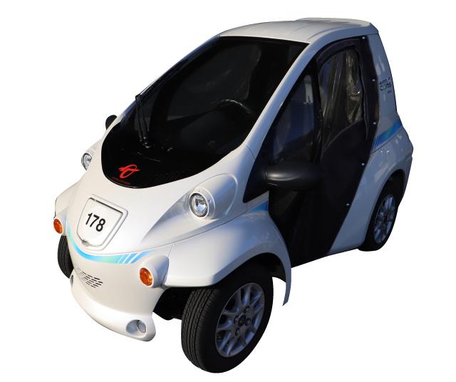 超小型電気自動車「エアポートCOMS」