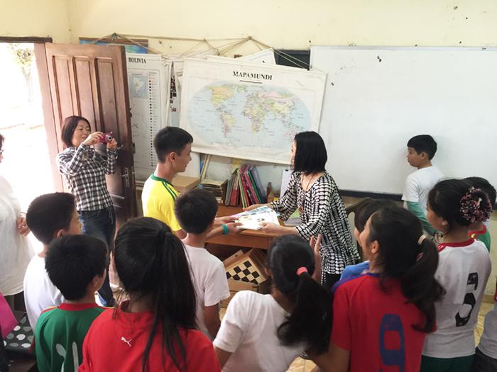 南米ボリビアのサンフアン日本人移住地にて。高齢者施設と小学校で朗読と共に被災地の様子を語る(2016年5月13日)